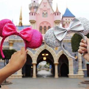NWT Set of 2 Minnie Mouse Ears